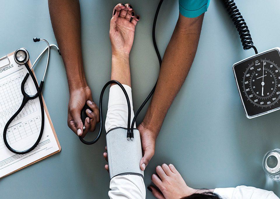 بازاریابی-خدمات-درمانی-و-خواسته-مشتری